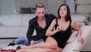 Секс блондинки с негром в гостиничном номере